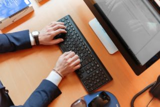 8 Tips on Going Paperless at Work